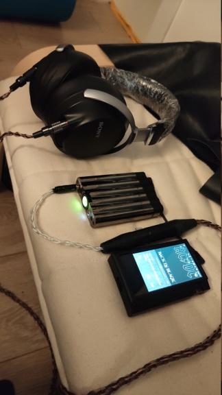 iFi audio xCAN portable headphones amplifier Img_2015