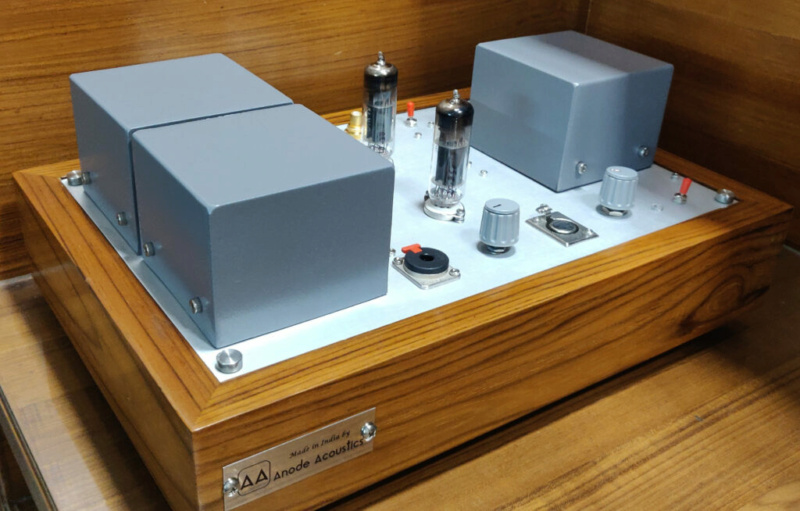 Ditelo che il Made in India ve lo eravate perso...Tube headphone Amplifier ECL82/PCL82 Img_2068