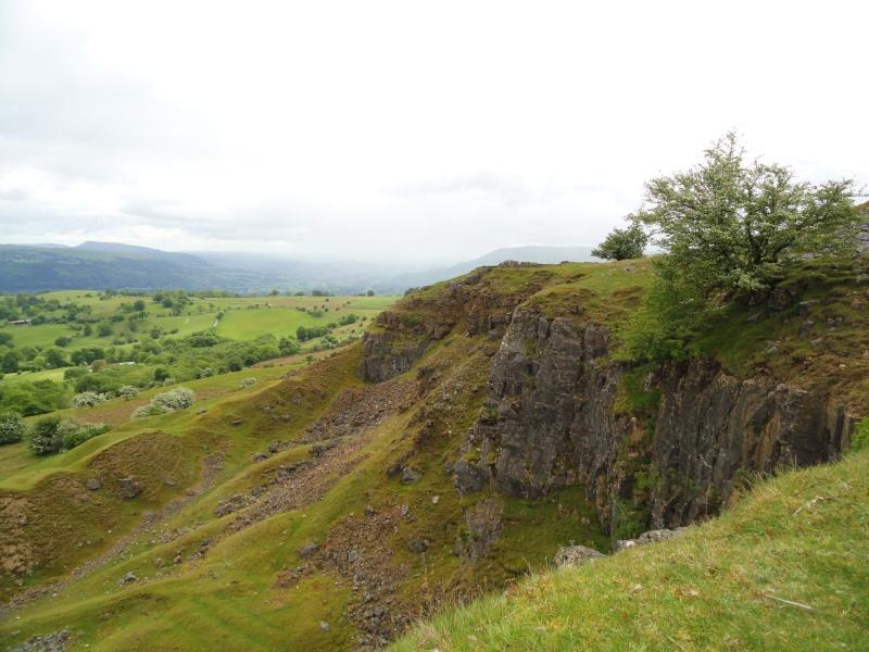 llangattock escarpment to lonely sheppard,crickhowell area Dsc02835