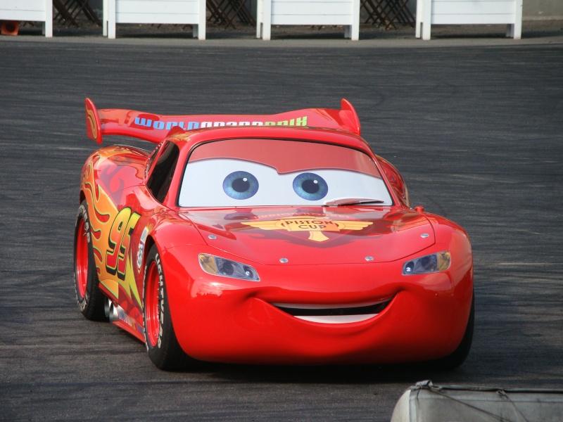 Moteurs… Action ! accueille Flash McQueen (à partir du 6 avril 2011) - Page 10 Dsc00712