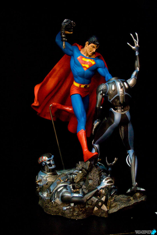 SUPERMAN VS. BRAINIAC Statue   Sup_di11