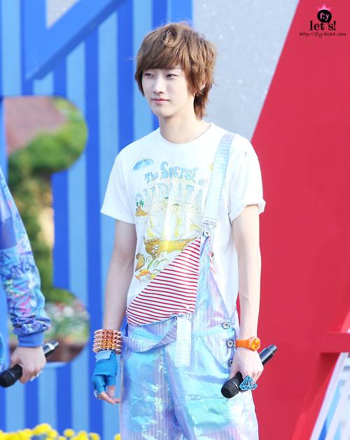 [PICS] 06.05.2011 Music Core Tumblr28
