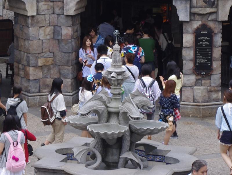 [Tokyo Disney Resort] Séisme au Japon - Fermeture du 11 mars au 14 avril 2011 - Page 14 Imgp4910