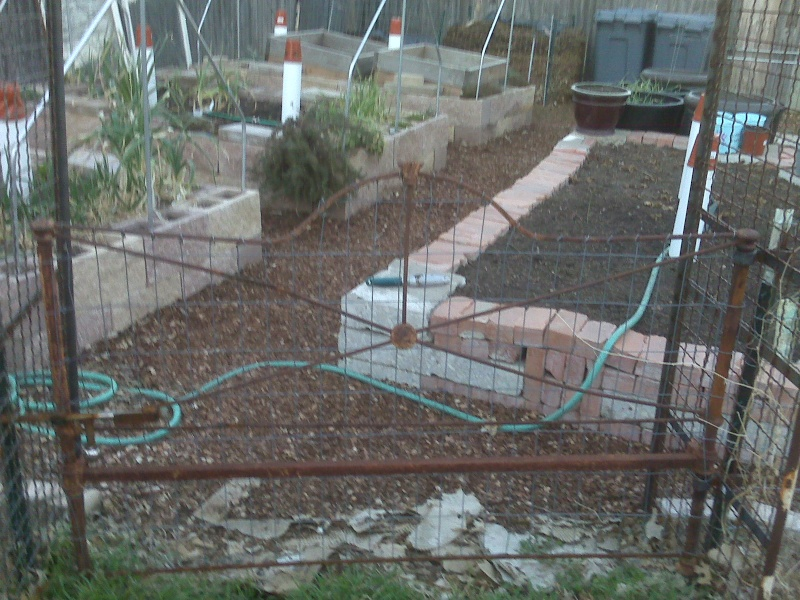 Hoop House Issue...How to Solve Please! - Page 2 Gate10