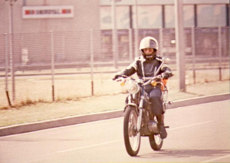 Quelques unes de mes anciennes autos........................et motos 125dtj10