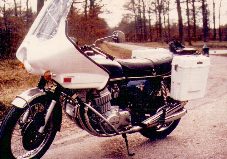 Quelques unes de mes anciennes autos........................et motos 750fou10