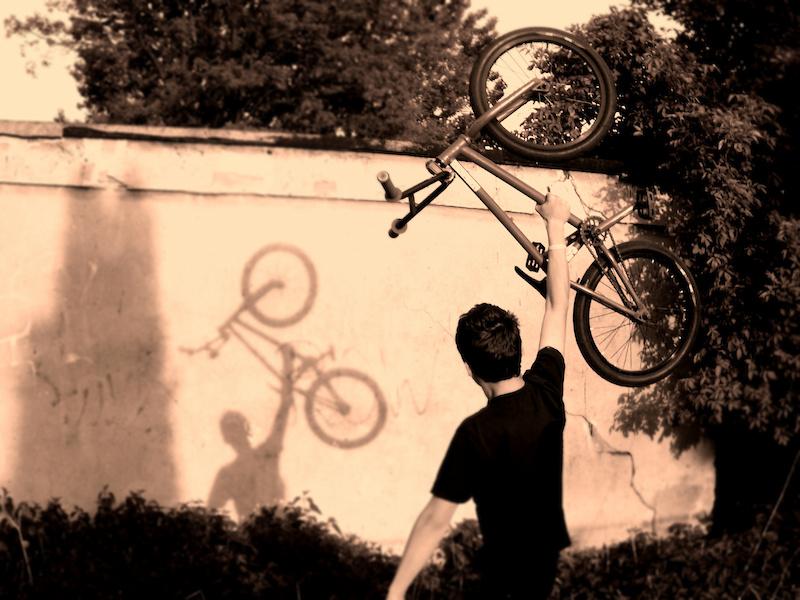 12/06/11 [POD/VOD/BOD] #66 Biketroll likes BIG, dark holes... P4pb6613