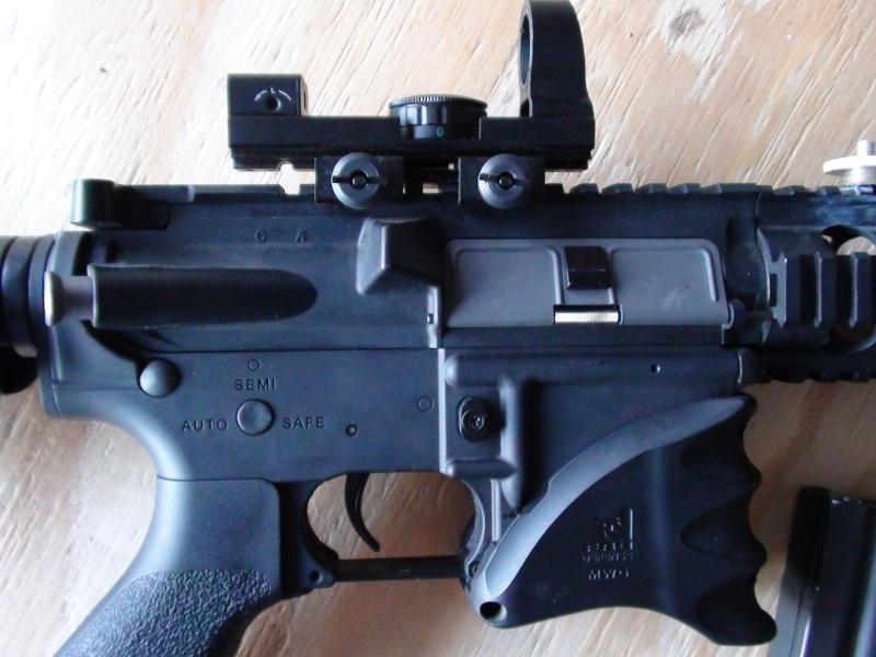 G&G M4/ 4 CLIPS / 2 BATT. / CHARGER Dsc00012