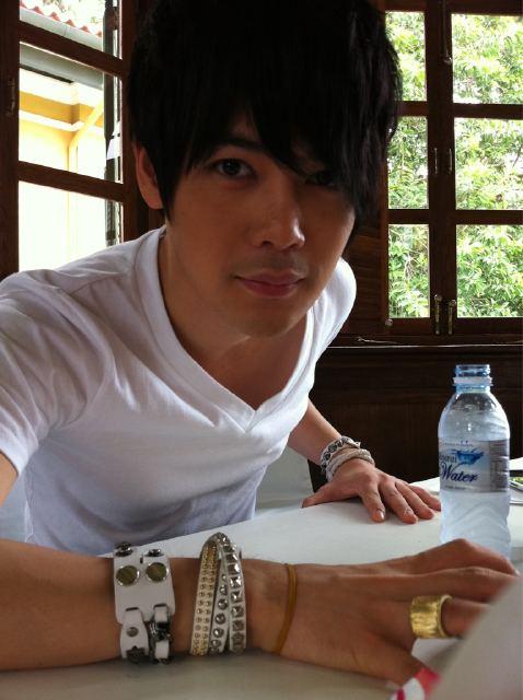 Fotos de Cho shin sung en Tainlandia In9eo10