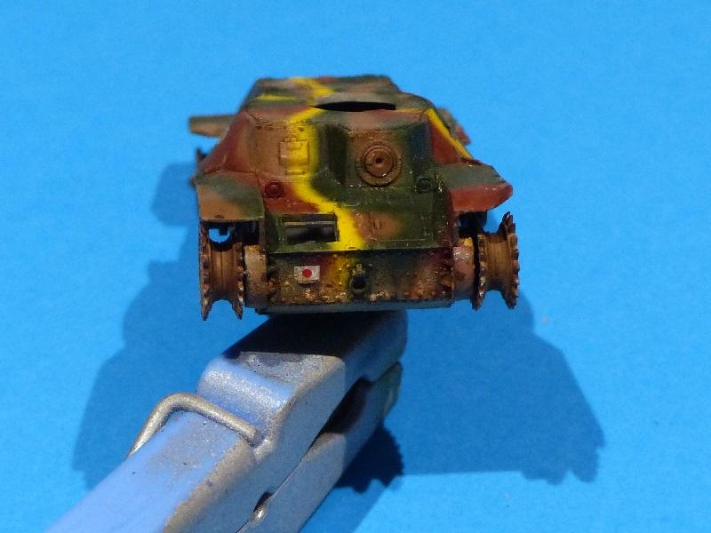 [Tamiya] Vought F4U Corsair / [Dragon] Type 95 Light Tank - Page 2 Franci85