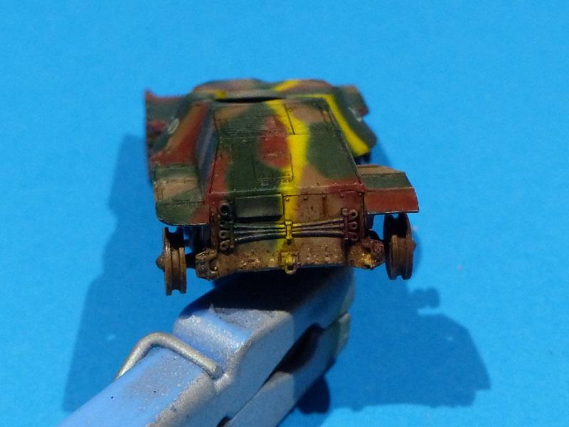 [Tamiya] Vought F4U Corsair / [Dragon] Type 95 Light Tank - Page 2 Franci86
