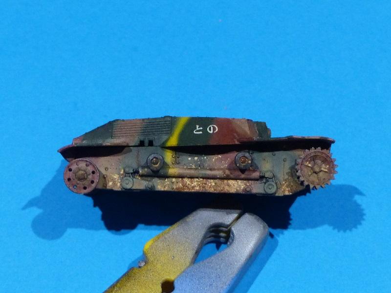 [Tamiya] Vought F4U Corsair / [Dragon] Type 95 Light Tank - Page 2 Franci88