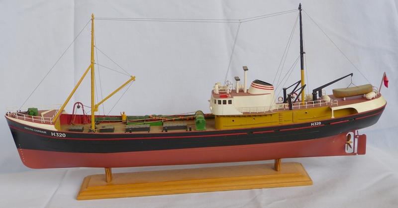 [REVELL] Northsea Fishing Trawler 1:142 Façon SIRIUS Tintin - Hergé Artic-10