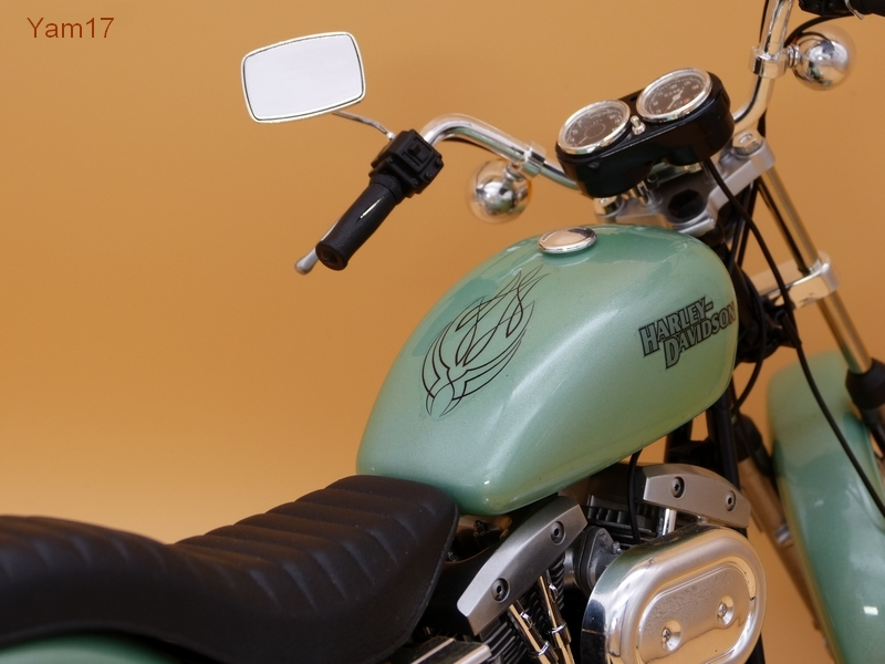Harley-Davidson FXE Super Glide [Tamiya, 1/6] Hd_811
