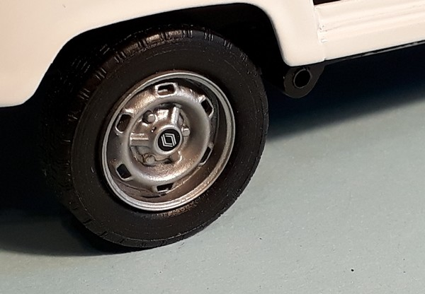"[1/24] Renault 4L ""TL"" ref: 80759 Roues_11"
