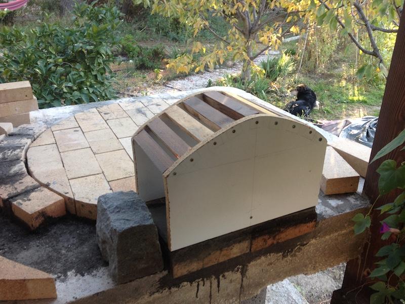 Construction en photos de mon four à bois Img_4227