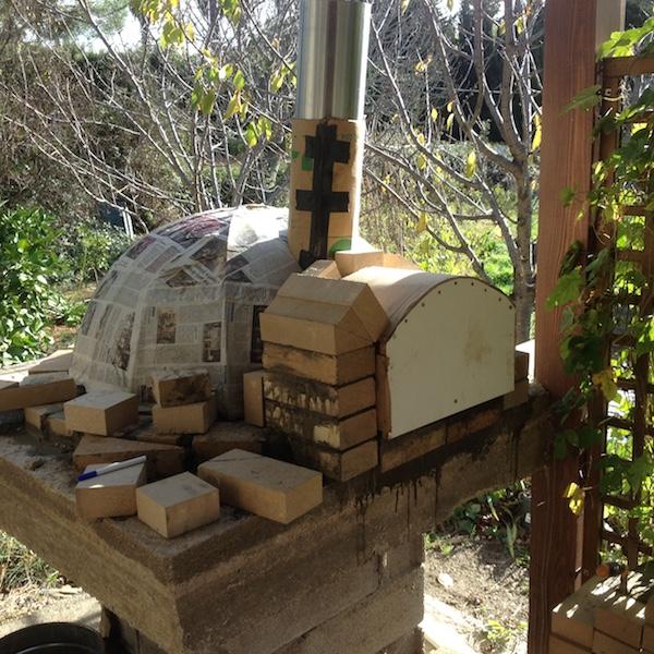 Construction en photos de mon four à bois Img_4230