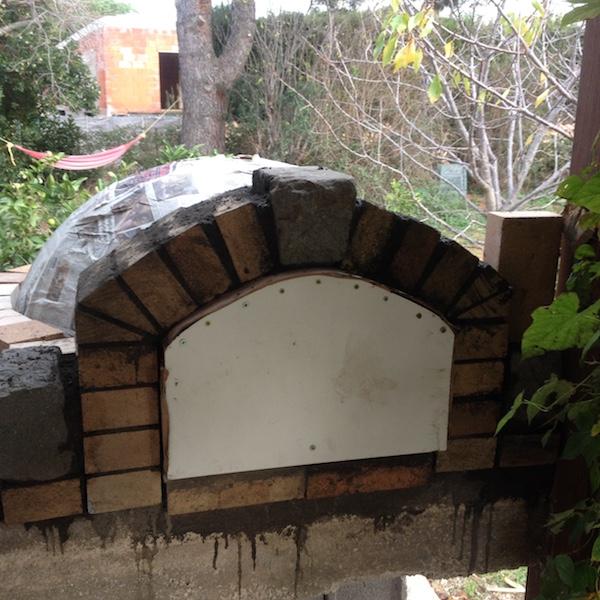 Construction en photos de mon four à bois Img_4232