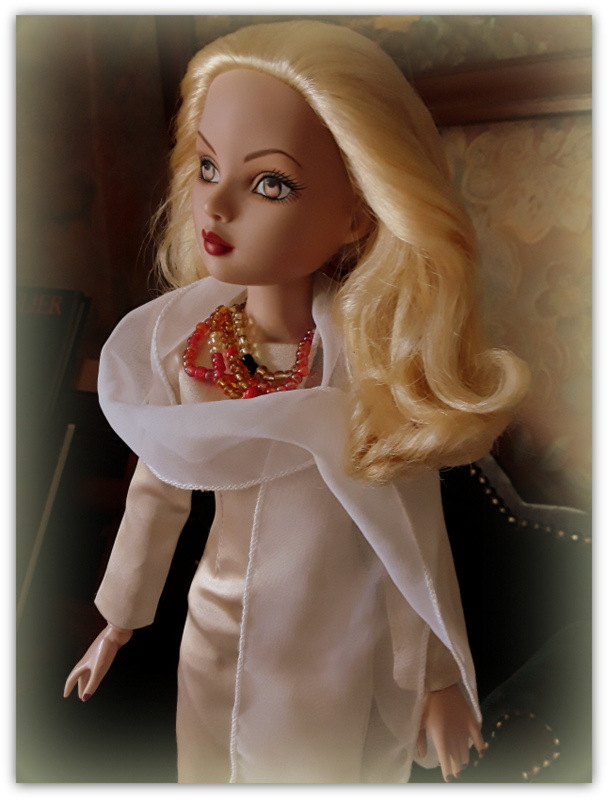 Mes poupées Ellowyne Wilde. De nouvelles photos postées régulièrement. - Page 23 20180826