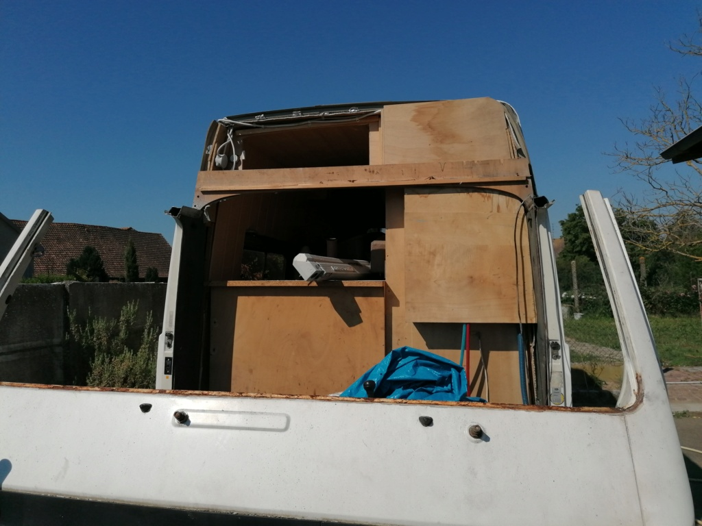 Restauration d'un vw LT camping-car fabrication C.Voisin  6810