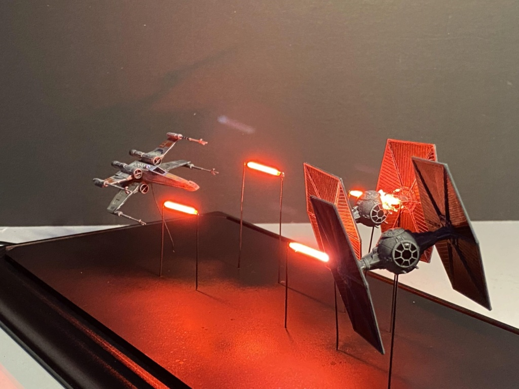 X-Wing vs TIE-Fighters-Dogfight-Diorama X-wing10
