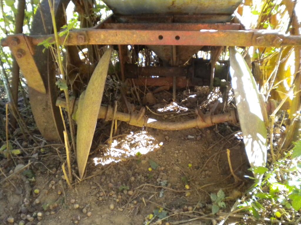 (Recherche) planteuse à pomme de terre ou plans construction Dscn0330