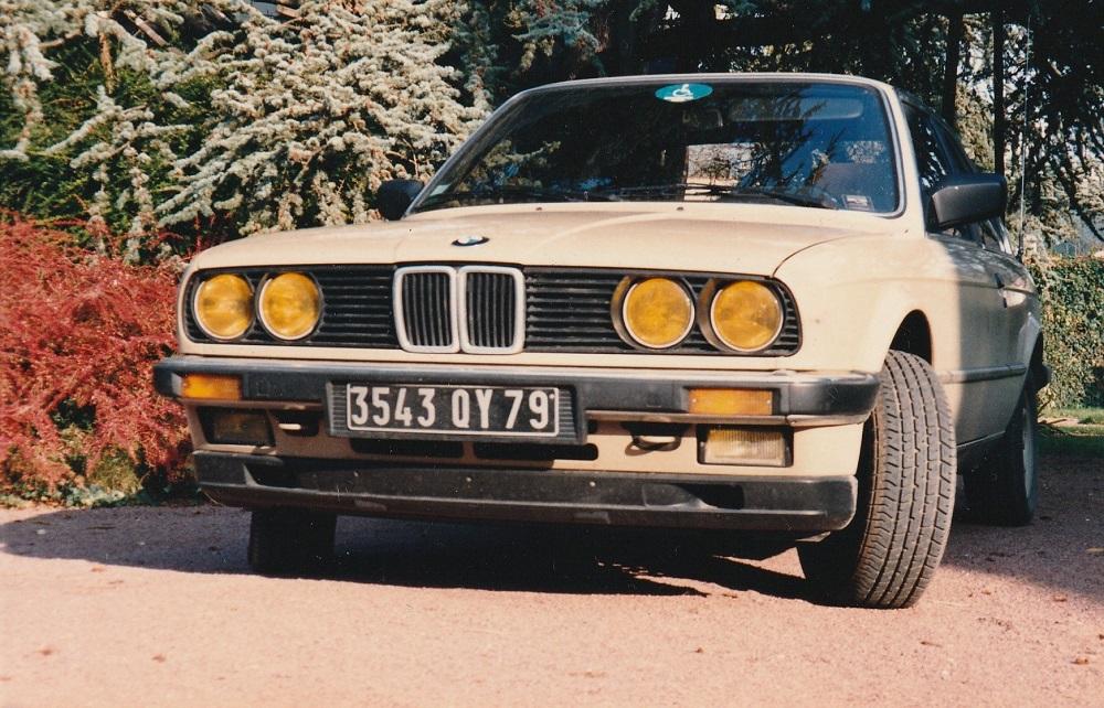 BMW 323i E30 MINICHAMPS 1/18 323_i_13