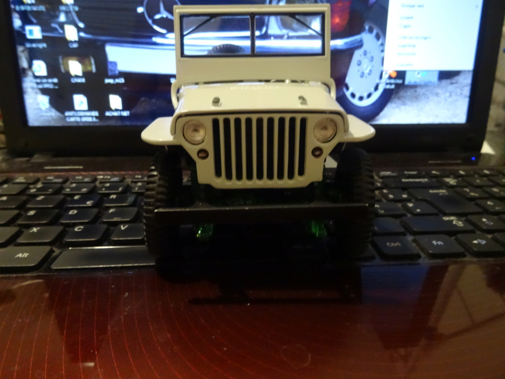 JEEP WILLYS 1/18e NOREV - Page 2 Dsc01811