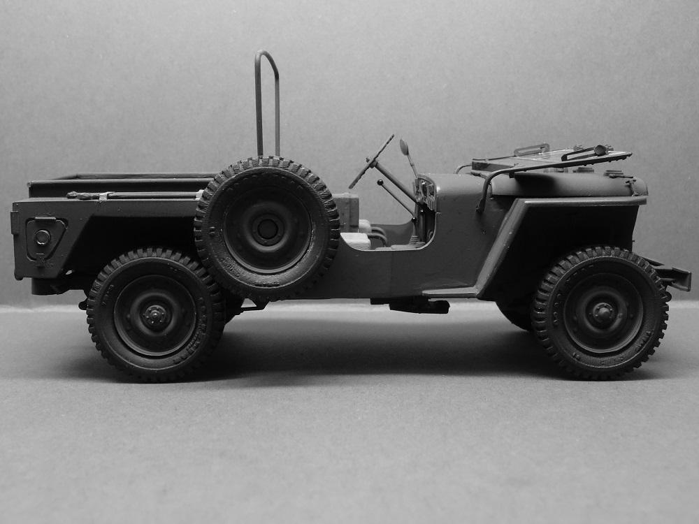 JEEP WILLYS MLW-2 kit de base ITALERI N° 6355 1/24 Jeep-m16