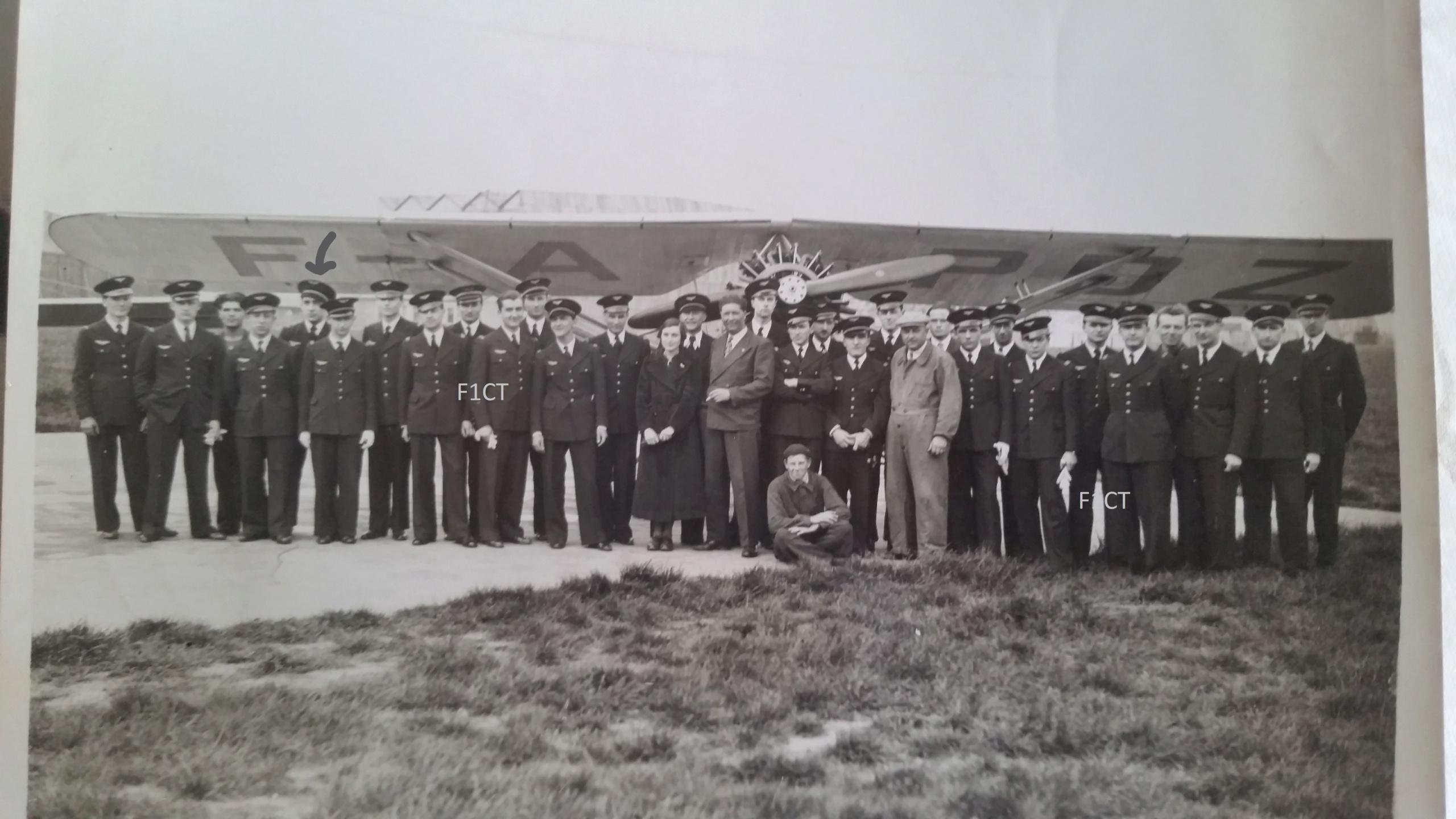 Superbe album aviation d'un LTN de réserve, immédiat avant guerre  Inked210