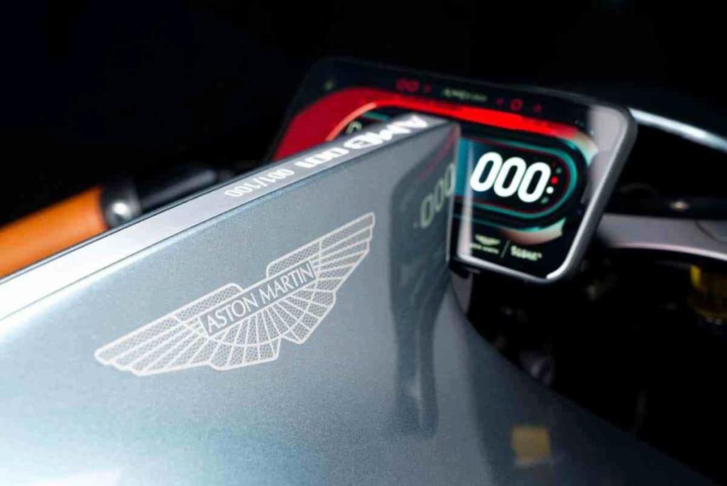 [bla, bla, bla] Industrie Boxer Design... Aston-12