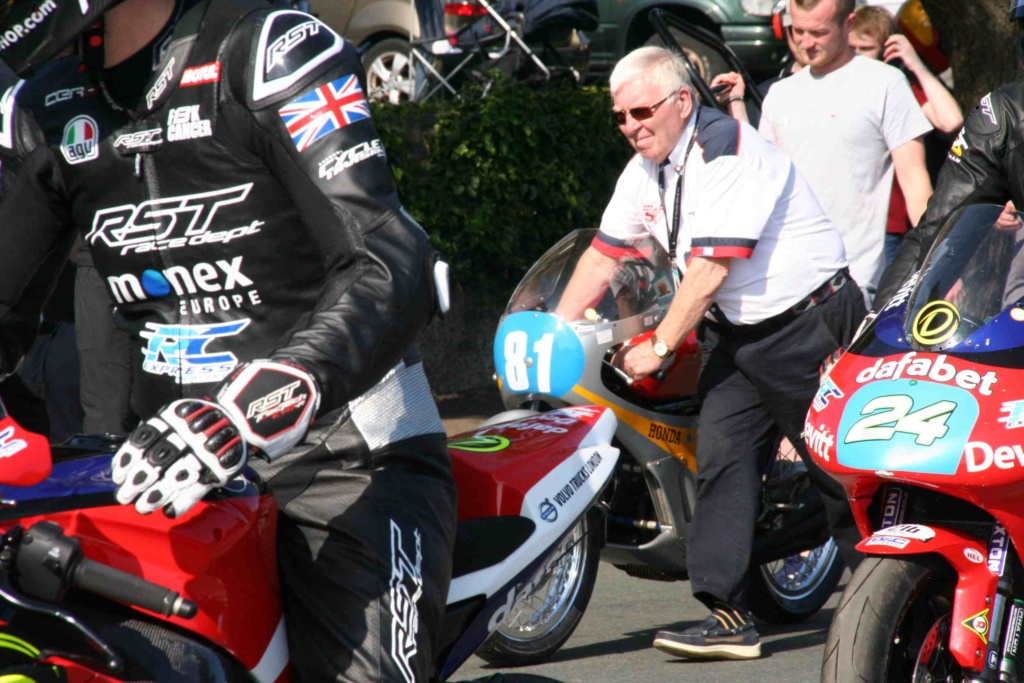 [Road racing] Classic TT/ Manx GP 2019  - Page 12 Img_8121