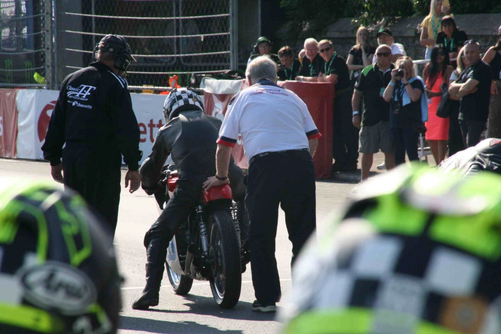 [Road racing] Classic TT/ Manx GP 2019  - Page 12 Img_8124