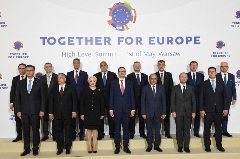 EU čestitka - Page 29 00082i10