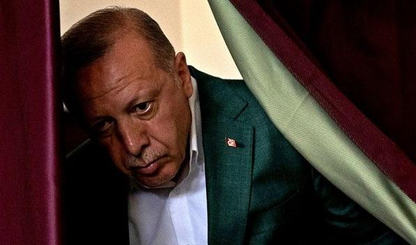Demokracija - Page 2 Erdoga10