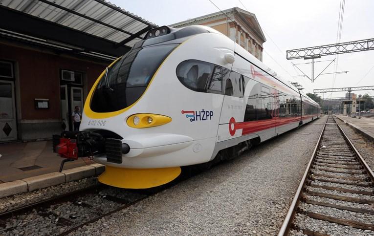 Za prijatelje željeznice i željezničke modelare - Page 13 Hz10