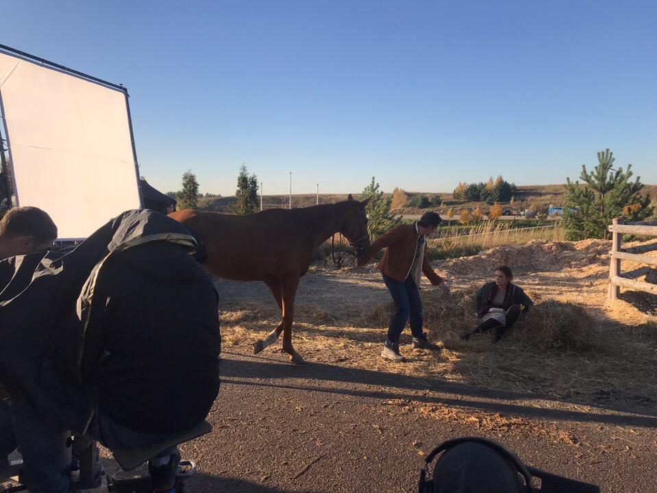 Конь изабелловой масти (2018) - Страница 2 Kv4nev10