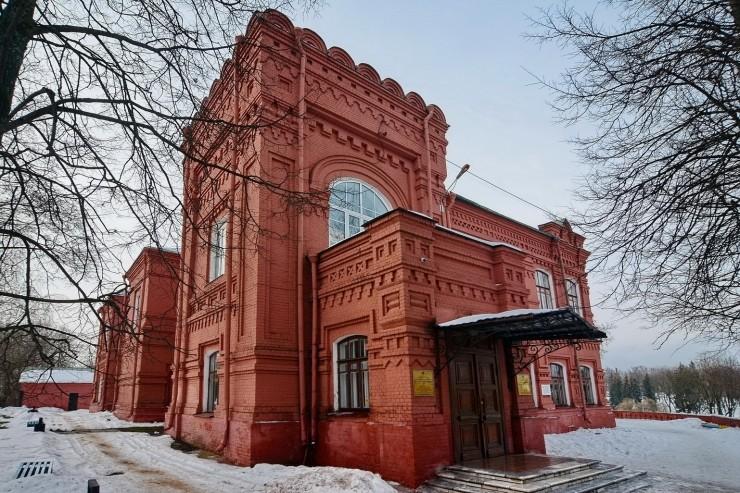 Сергиев Посад сквозь века - Страница 3 Muzej_10