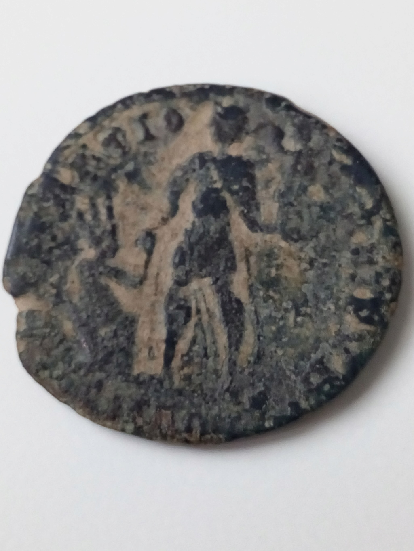 AE2/ Maiorina de Valentiniano II. REPARATIO REIPVB. Aquilea? Img_2033