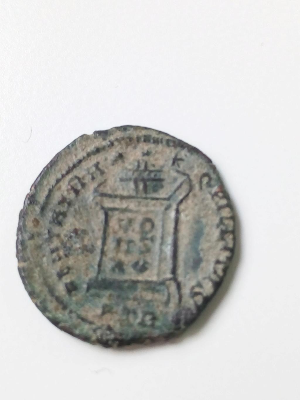 AE3 de Constantino I. BEATA TRANQVILLITAS. Trier Img_2036