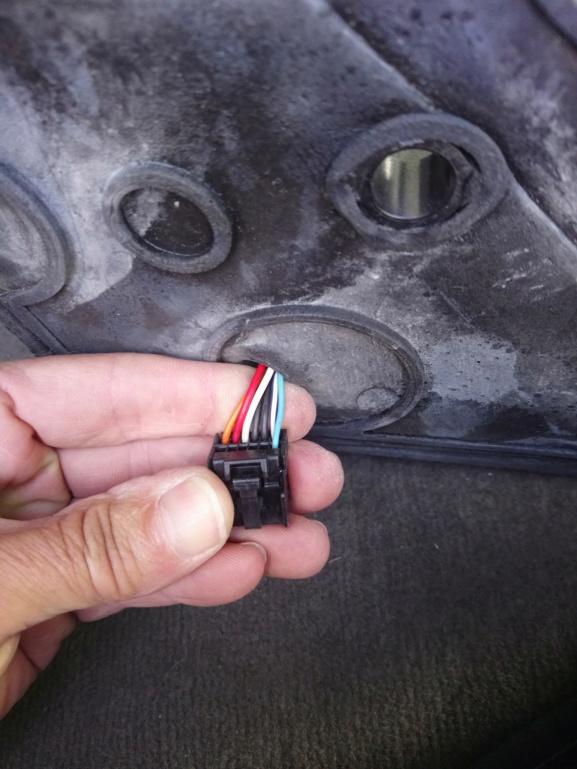PapyKy : S4 - Fermer les rétroviseurs sur vérouillage des portes, contact coupé. - Page 2 Dsc_2110