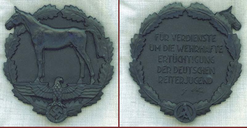 [résolu] Insigne équitation allemand 1933/1945  2019-138