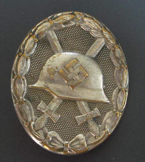 Badge des blessés Argent 2020-025