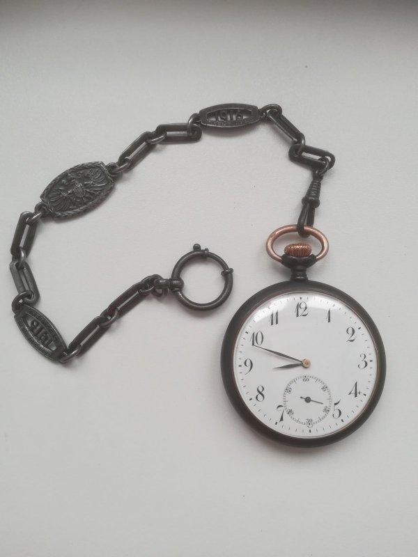 Un bracelet WW1 21002910