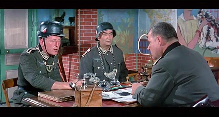 casques de Bourvil et de Louis de Funès dans la grande vadrouille Arton110