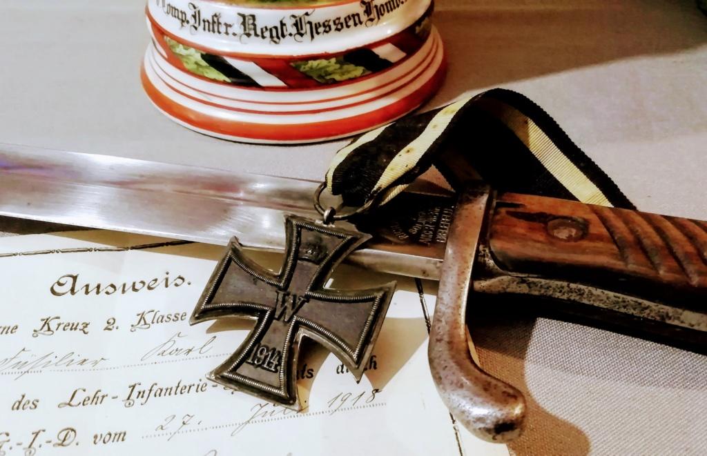 Faites nous des natures mortes de vos croix de fer !!! Img_2223