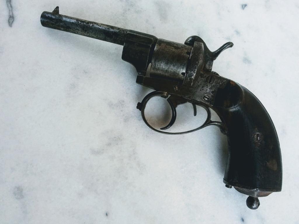 un vieux revolver Cztzo_10