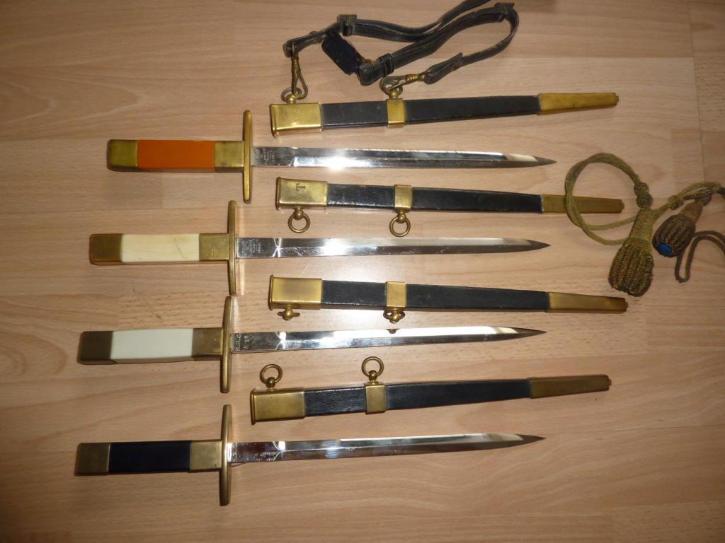 Les  dagues  ( poignards ) de l'armée Française  armée de L'Air Dagues11