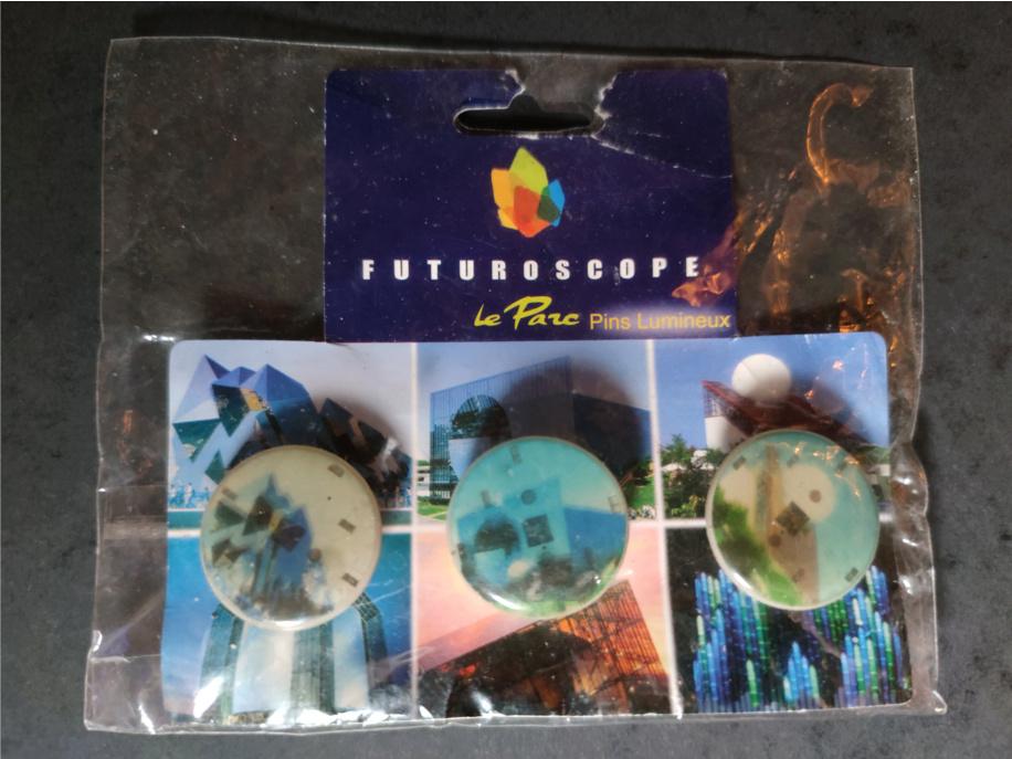 Espace Collectionneurs ! Pins210