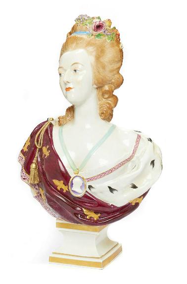 A vendre: bustes Marie Antoinette - Page 9 Zducre13